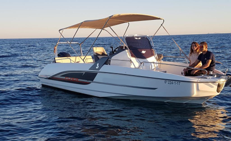 Barco con licencia de navegación Torrevieja